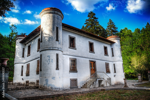 Photographie  old villa built in late 1800s in Sardinia