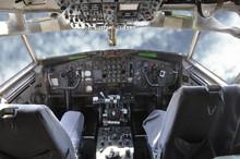 Cockpit 707 Mit Himmel