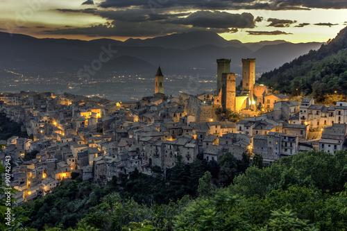 Pacentro, Italia, Abruzzo, L'Aquila Canvas Print