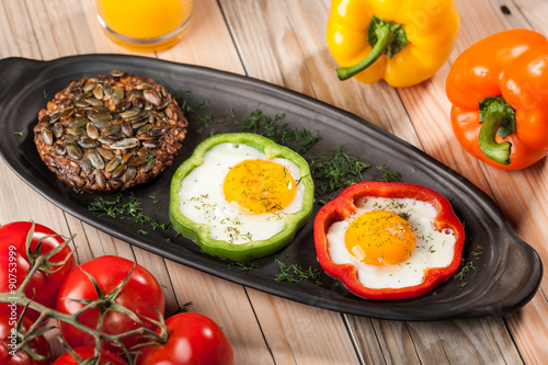 Papiers peints Ouf Fried eggs in peppers