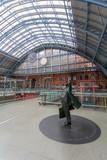 Fototapeta Perspektywa 3d - St. Pancras International Station in London