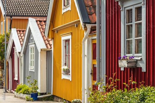 Fotografía  Ancient wooden houses in Karlskrona, Sweden