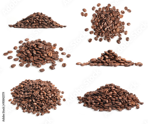 Photo sur Toile Café en grains Collection of coffee beans heap on white