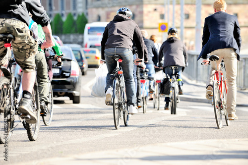 Deurstickers Fiets Bicyclists in traffic