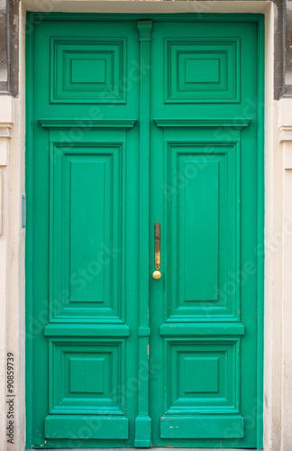 stare-zielone-drzwi