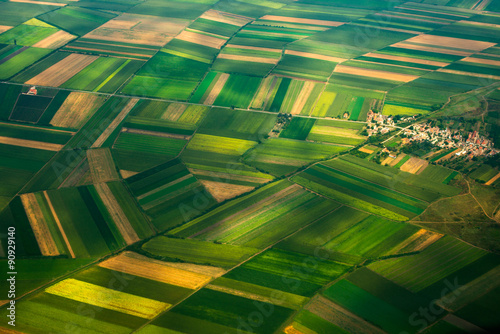 Montage in der Fensternische Luftaufnahme top view aerial photo of settlements and fields