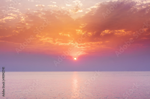Poster Rose clair / pale Sunset sky above sea, sunrise landscape