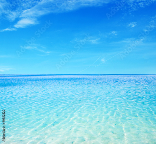 Staande foto Zee / Oceaan blue sea