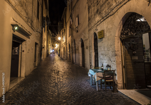 Valokuva  Italia - Eine Gasse in Terracina
