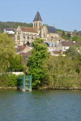 Fototapeta na wymiar France, the picturesque city of Triel sur Seine