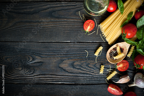 Foto  Ingredients for cooking Italian pasta