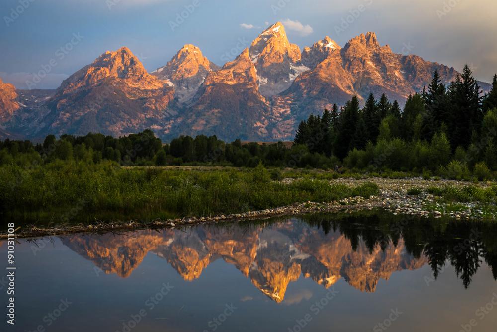 Fototapety, obrazy: Sunrise from Schwabachers landing in the Grand Teton National Park in Wyoming.