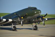 Douglas Dakota DC3, U.K.  WW2 ...