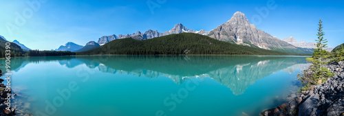 Poster Bergen Panorama of Waterfowl Lake in Banff National Park