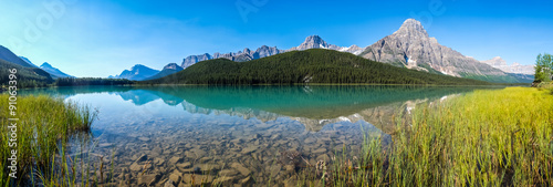 Staande foto Grijs Panorama of Waterfowl Lake in Banff National Park
