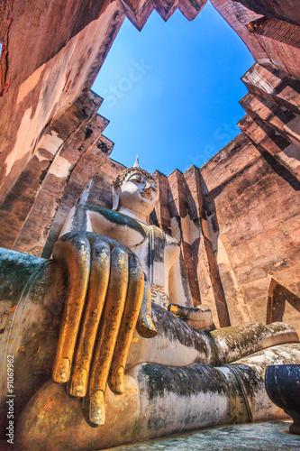 Cuadros en Lienzo Big buddha statue at Sukhothai historical park in Thailand