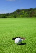 Golf Putt Miss