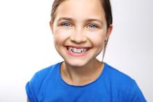 Dziecko W Aparaciku Ortodontyc...
