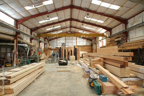 Atelier de préparation d'une entreprise de charpente Wallpaper Mural