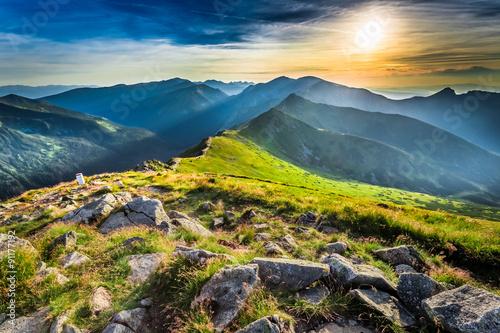 Zdjęcie XXL Cudowny zmierzch w górach w lecie