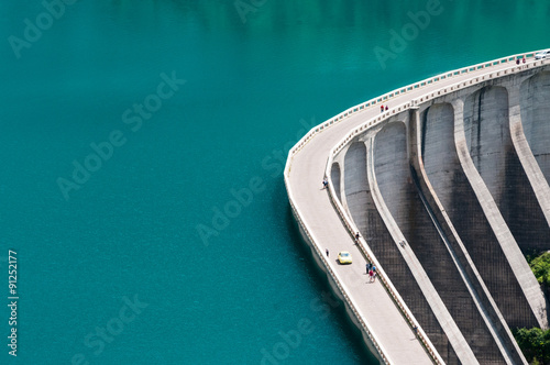 Photo sur Aluminium Barrage Diga con lago artificiale
