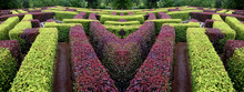 Edgerow Symmetrical Garden La...