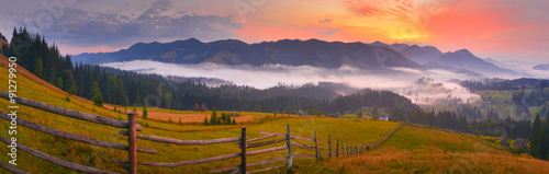 Spoed Foto op Canvas Lavendel Sunrise countryside panorama
