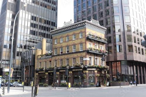 Láminas  El pub / restaurante de Albert en Londres