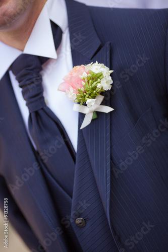 Fotografía  Abito sposo con Fiore all'occhiello