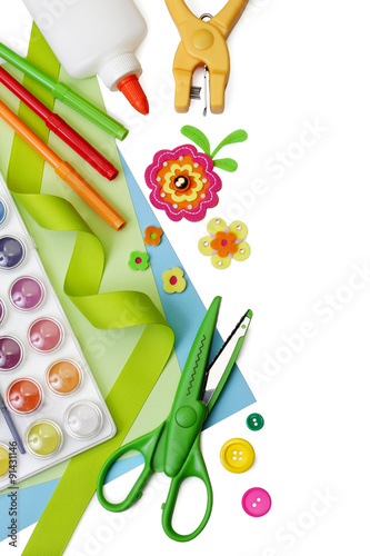 Foto  Selected art and craft supplies