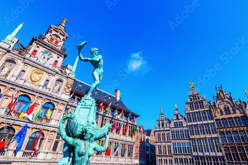 Spoed Foto op Canvas Antwerpen historisches Rathaus am Grote Markt in Antwerpen, Belgien