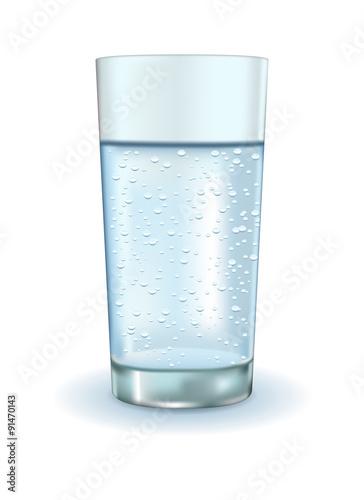 Papiers peints Eau Glass of sparkling water.