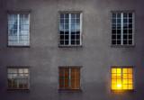 Wall with six windows - 91512398