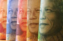 Nelson Rolihlahla Mandela ني...