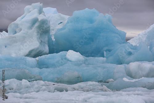 Poster Glaciers Eisberge in der Gletscherlagune Jokulsarlon. Island