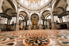Basilica Santa Maria Della Salute - Venezia Italy / Interior Of The Basilica Of Santa Maria Della Salute (1631-1687) In The City Of Venezia (UNESCO World Heritage Site), Veneto, Italy