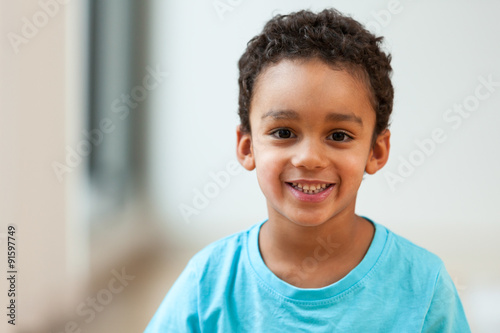 Portrait of a cute little African American boy smiling Fototapet