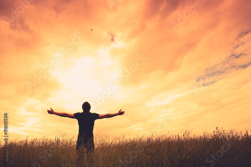 Photographie Silhouette of man and sunshine