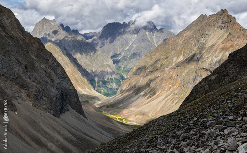 Fototapety, obrazy: The descent from the pass