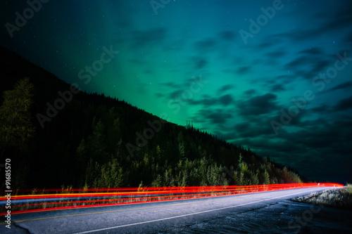 Fotografia, Obraz  Highway Traffic Northern Lights Aurora Borealis Alaska Night Sky
