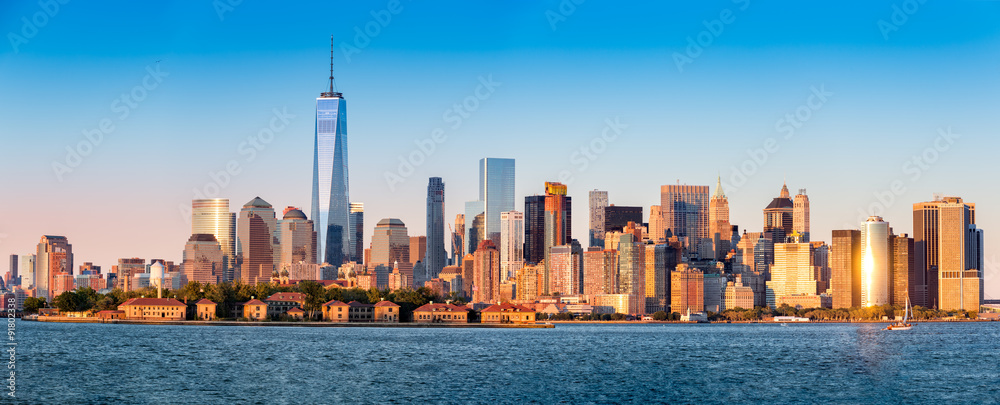 Fototapety, obrazy: Downtown New York skyline panorama with Ellis Island in the foreground