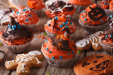 Halloween Cupcakes And Gingerb...