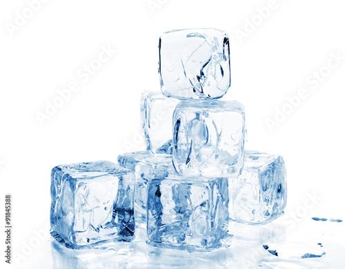 Fotografie, Obraz  Ledové kostky na bílém pozadí