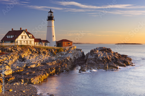 Montage in der Fensternische Leuchtturm Portland Head Lighthouse, Maine, USA at sunrise