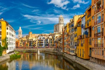 Šarene kuće u Gironi, Katalonija, Španjolska