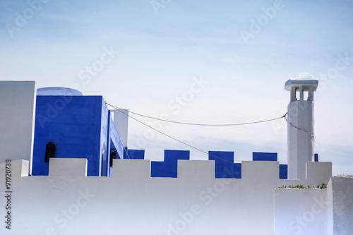 Terraza Visitable Y Tiro De Chimenea Encalada En Blanco Y
