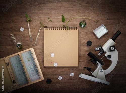 Fotografía  Scientific accessories on the table