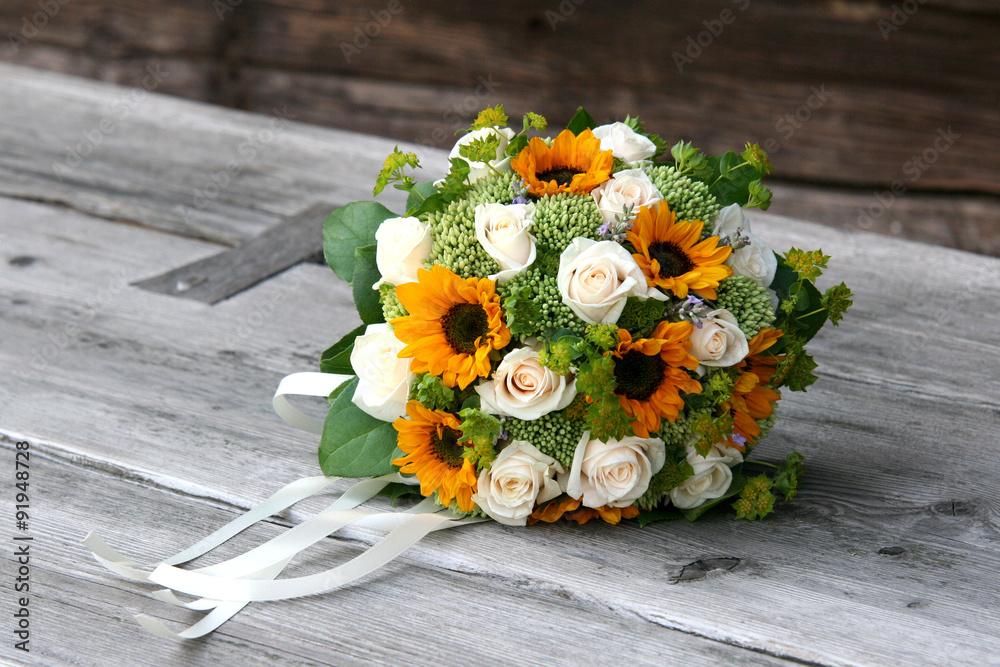 Photo Art Print Brautstrauss Mit Sonnenblumen Und Weissen Rosen Auf