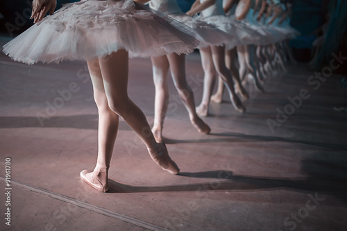 Fotografie, Tablou  Dancers in white tutu synchronized dancing