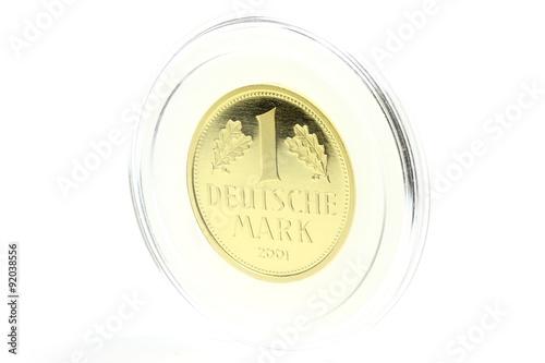 Tela  original Goldmark isoliert auf weißem Hintergrund